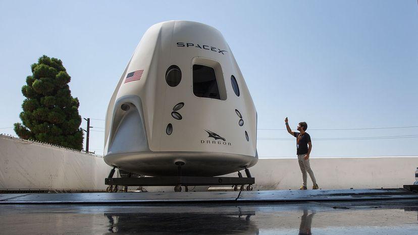 Crew Dragon, Space X