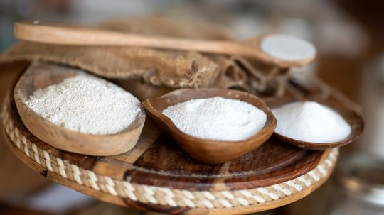 What's the Difference Between Baking Soda and Baking Powder?