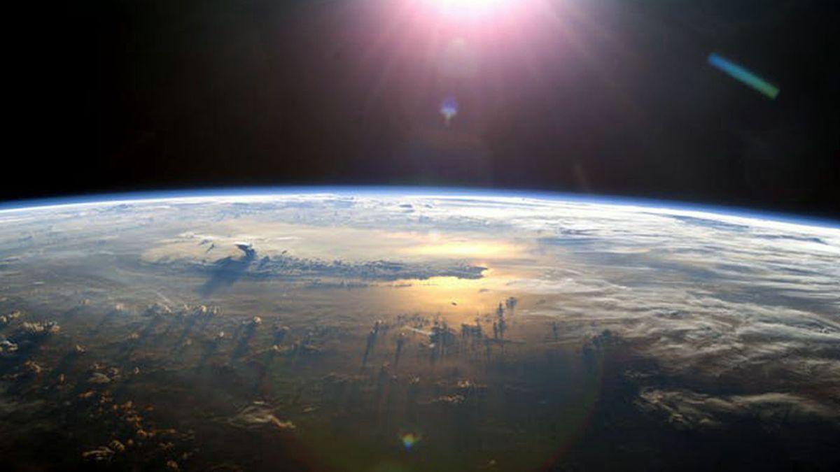 地球の「エネルギー収支」はバランスが崩れています。どういう意味ですか?