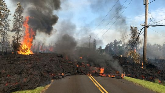 Fissures, Quakes and Lava: Explaining Kilauea's Volcanic Crisis