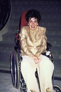 Actress Annette Funicello announced her MS diagnosis in 1992.