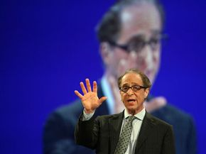 Ray Kurzweil, inventor and computer engineer, presents a talk on the Singularity at the RAS Conference 2007. See our collection of laptop pictures.