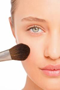 Makeup is meant to enhance features and even out skin tone, but could it harm your skin? Get tips with our makeup tips pictures.