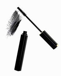 Mascara can take eyes from sleepy to sultry in a flash.