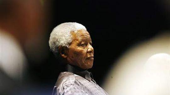 August 5: Nelson Mandela Arrested