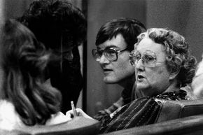 Peggy McMartin Buckey, right, and her son Raymond Buckey, center, confer with their attorney Danny Davis during their trial for child molestation.