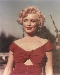 Of all the stunning outfits Marilyn wore in her films, none are as startling in their impact as the red dress she wore in Niagara.