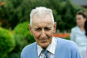 Assisted-suicide advocate Dr. Jack Kevorkian walks out of the Lakeland Correctional Facility after his release June 1, 2007 in Coldwater, Michigan.