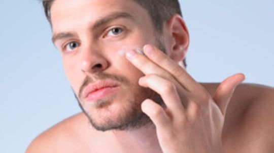 What are the best moisturizers for men with sensitive skin?