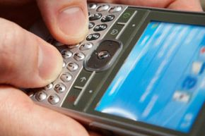 Small buttons and software-based keyboards on phones can make filling out forms on mobile Web sites tricky.