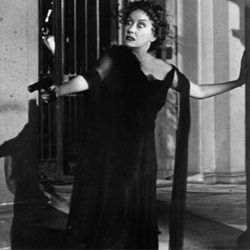 Demented has-been Norma Desmond (played by Gloria Swanson) laments the changing film industry in 'Sunset Blvd.' Oh, Norma, what would you think of mobile?