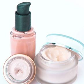 Image Gallery: Makeup Tips We've got you covered with these moisturizer, concealer and foundation tips. See pictures of makeup tips.