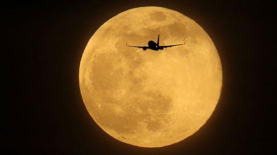 The Superb Moon Quiz