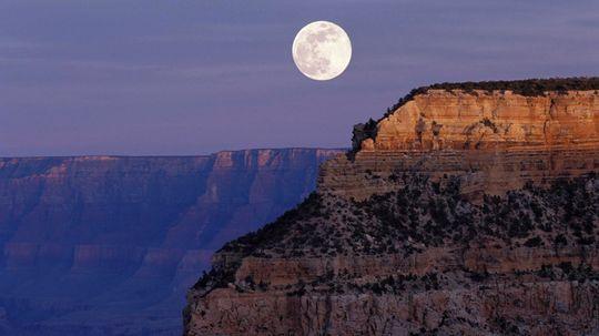 """你能同时看日落和月出吗?""""border="""