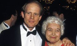 Director Ron Howard steps out with his own mother, Jean Speegle Howard.