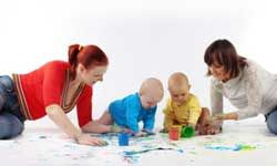 Why not get together with another mother and her baby for an afternoon of fingerpainting fun?