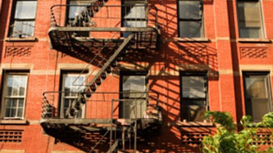 What are month-to-month apartments?