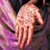 A Moroccan bride will hold a henna party with her closest female friends and family before the wedding.