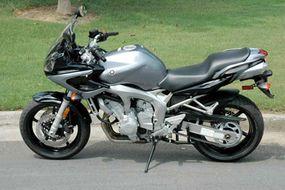 """2005 Yamaha FZ6, a """"naked bike"""""""