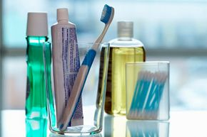 The antibacterial triclosan cleans the mouth, but may have a larger negative impact on the immune system.