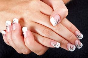 Nail stencils now make it super easy to create art on your nails -- for special occasions, holidays or just to showcase your creativity.