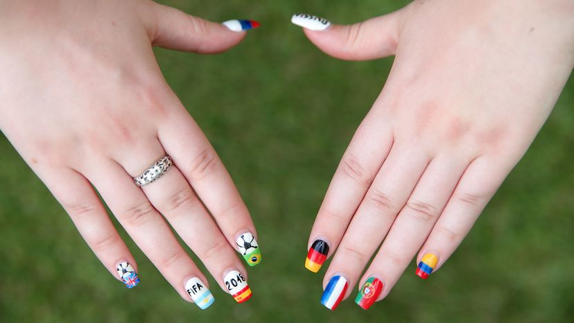 FIFA manicure