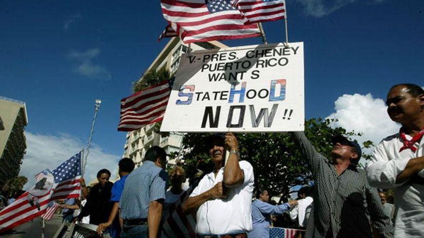 Demonstrators PR statehood