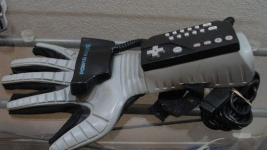 How the Nintendo Power Glove Worked