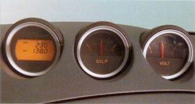 Center gauges included the drive computer readout.