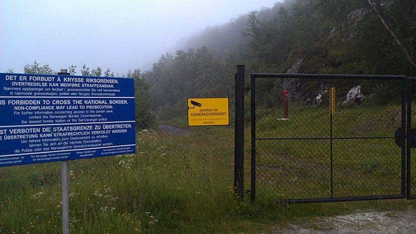 Norwegian-Russian border fence