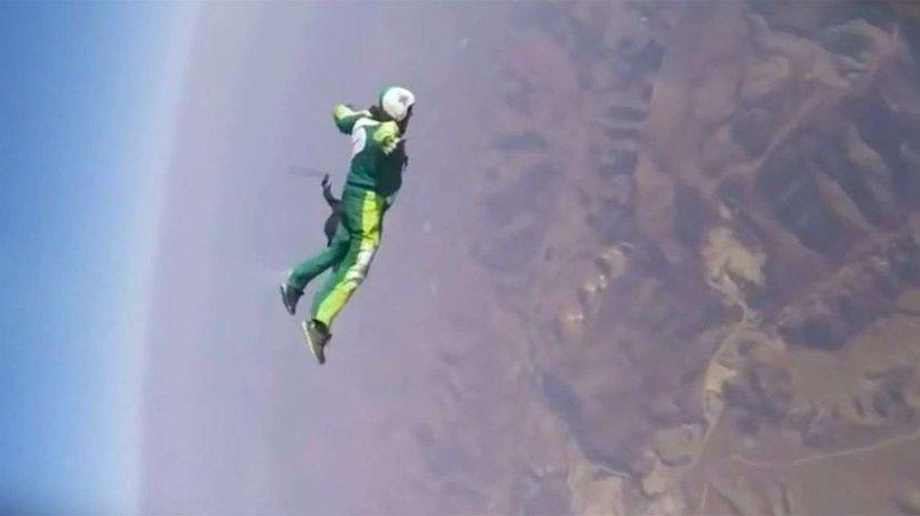 Skydiver lands 25,000 foot jump with no parachute CNN