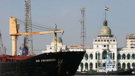 Shunning the Suez: Tankers Take the Long Route to Save Cash