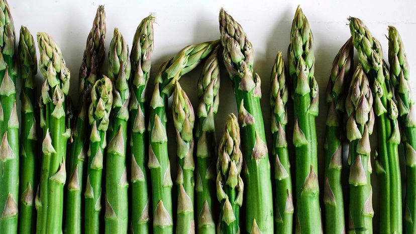 """A new study shows that sensitivity to smelling """"asparagus pee"""" is tied to genetics. Schon & Probst/Getty Images"""