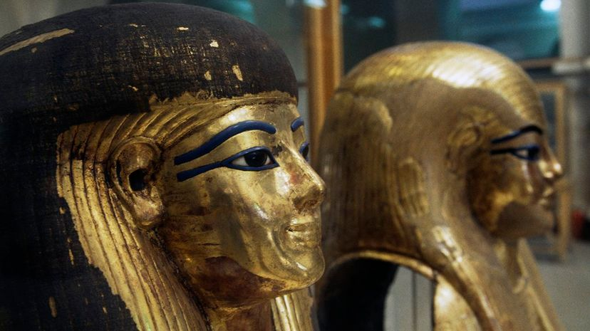 Ancient Egyptians are known for their dramatic winged eyeliner. De Agostini/W. Buss/Getty Images