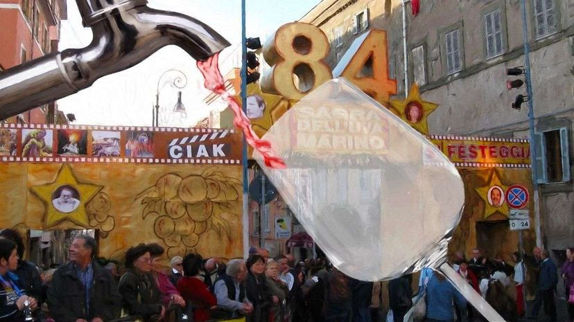 A shot from the busy 2008 Sagra dell'Uva di Marino, the annual festival that usually features a fountain briefly flowing with wine. That year, however, things didn't go quite as planned. Dimdimich/Chepko/Gino via Wikimedia Commons
