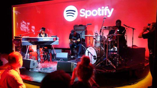 Spotify Would Really Like to Make You a Mixtape, Please