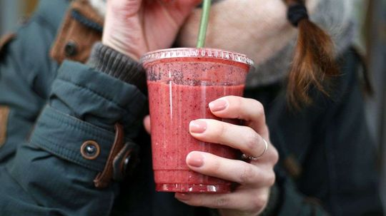 France Becomes the First Country to Ban Disposable Plastic Cups, Plates