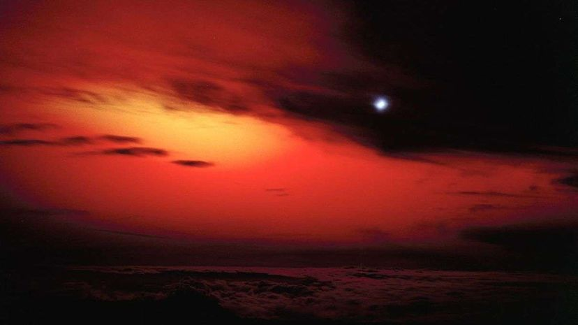 The Starfish Prime explosion as seen from Earth, between 45 and 90 seconds after detonation. Los Alamos National Laboratory/Flickr