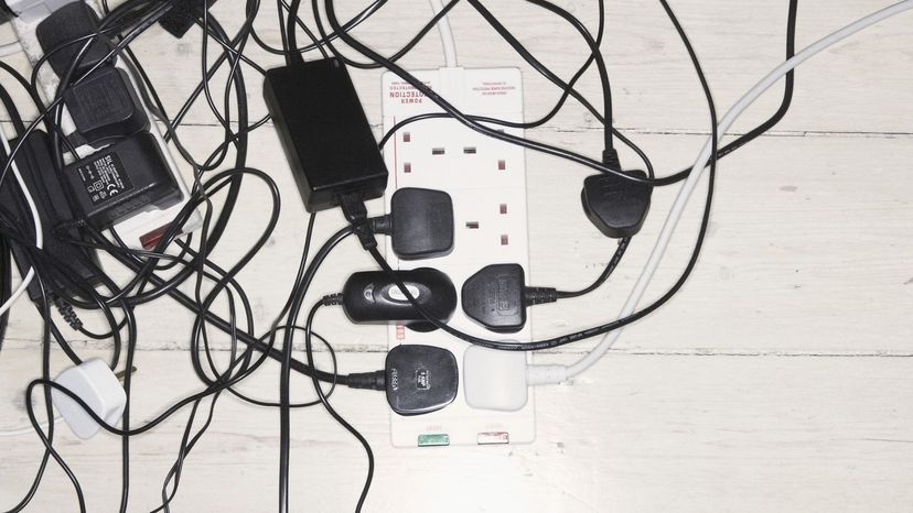 How Many Things Can You Plug Into An Electrical Outlet Before It Catches Fire Howstuffworks