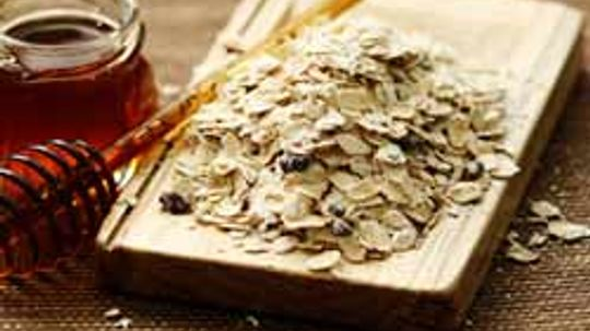 5 Things to Know About Oatmeal Baths
