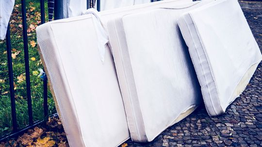 10 Creative Uses for Old Mattresses