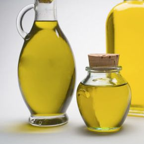 Getting Beautiful Skin Image Gallery                          Barry Wong/Photodisc/Getty Images                  In addition to being good on salads and pasta, olive oil can help moisturize dry skin. See more getting beautiful skin pictures.