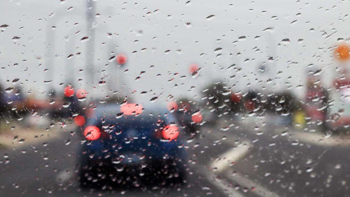 Hệ thống an toàn trên ô tô không phải lúc nào cũng 'nhìn thấy' khi thời tiết xấu, AAA nói