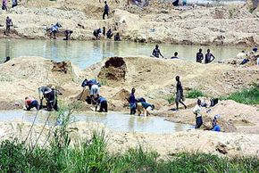 Diamond Image Gallery Diamond seekers work near Freetown, Sierra Leone, in Africa. The country's diamond trade is known to have funded civil war and terrorism. See more pictures of diamonds.
