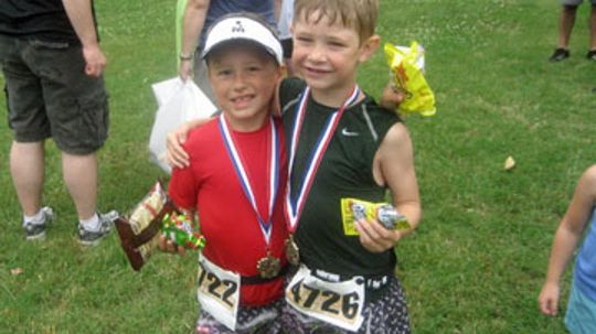 What are the age groups in triathlons?