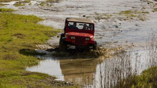 How are air compressors used in off-roading?