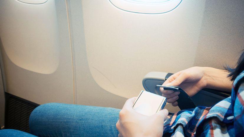 airplane lap belts