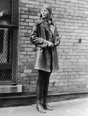 amelia earhart posing