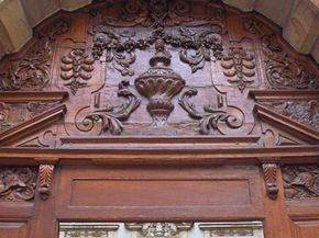 Wood is extremely important in determining a true antique. The Hotel de Vogue was built in 1614 for the first president of the Burgundian parliament. The entrance door is made of richly carved wood, showing its age and originality.
