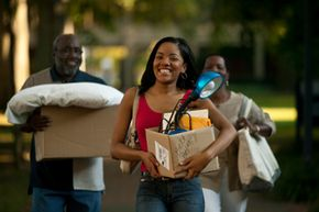 On move-in day, will you be hauling your stuff to a dorm or an apartment? Want to learn more? Check out these college pictures!
